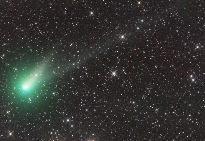 Яркая комета Каталина в новогоднюю ночь пролетит над Петербургом