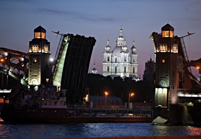 10 апреля в Санкт Петербурге начнется навигация