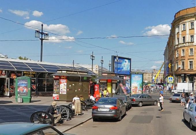 ВПетербурге могут снести 60 магазинов икафе наСенной площади
