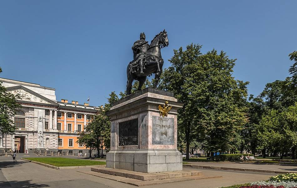 1200px peter the great monument spb c8a1b