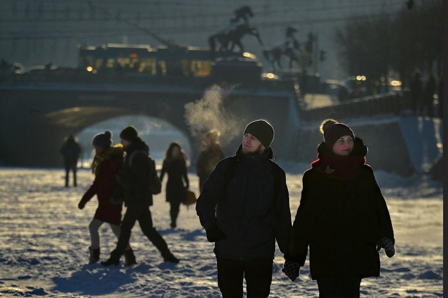 фото питера зимой с людьми байбосынова одна